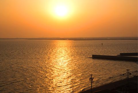 三河湾の夕日